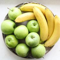 Поднос с бананами и яблоками 2450г