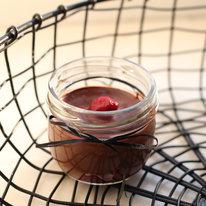 Шоколадный мусс с вишней 100г