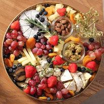 Поднос с фермерскими сырами Любови Горбачевой 1158г