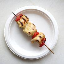 Мини-шашлык из куриной грудки с овощами 100г
