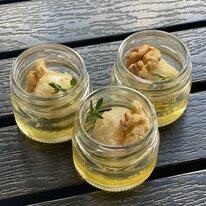 Канапе в мини-баночке с мёдом, моцареллой и орехами 25 г