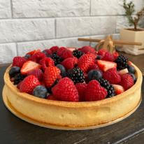 Пирог с ванильным кремом и свежими ягодами 1 кг
