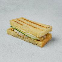 Сэндвич с куриным филе на хлебе бриошь 45 г
