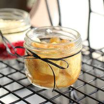 Запеченные яблоки с медом и кедровыми орехами