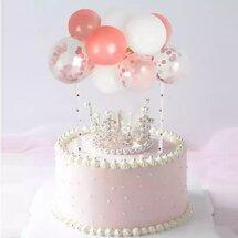Торт с короной и воздушными шарами
