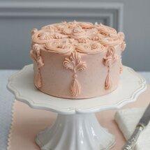 Торт с кремовым декором