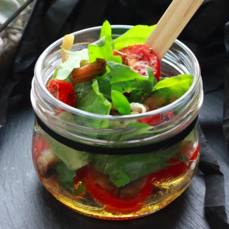 Салат с грибами и ароматным маслом