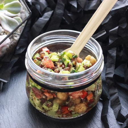 Салат с чечевицей и тыквенным маслом