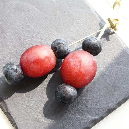 Канапе с виноградом и голубикой 20г