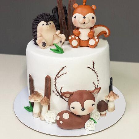 Торт с белочкой и ёжиком 2 кг