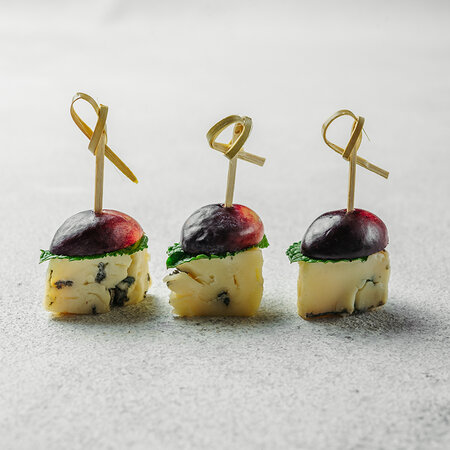 Дор-блю с виноградом